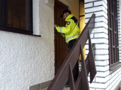 Kostelečtí  strážníci městské policie začínají s tradičními zimními kontrolami chat a zahrádkářských kolonií.